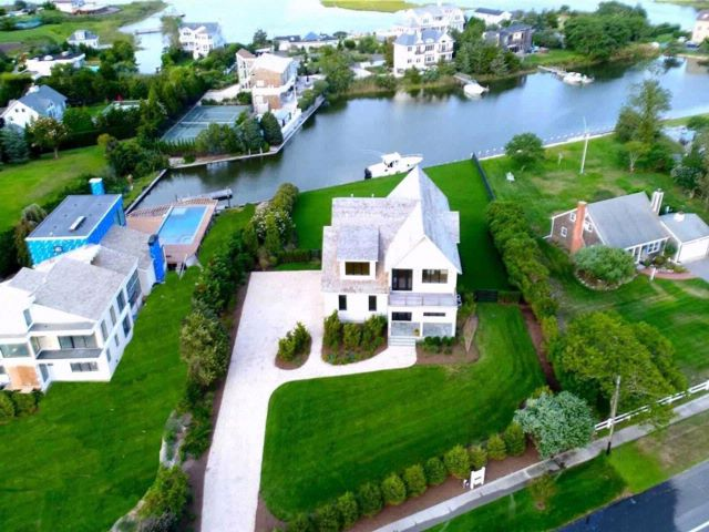 5 BR,  5.50 BTH  Modern style home in Westhampton Bch